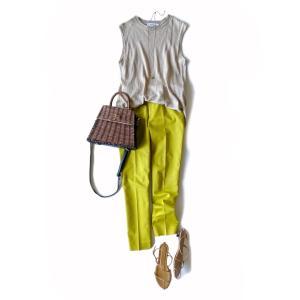 アラフィフもトレンド黄緑に挑戦/派手色をとり入れるならこう着て!