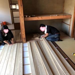 1×4材でナチュラルな床 完成ヾ(o´∀`o)ノワァーィ♪ & 倉庫改装のカフェランチ。