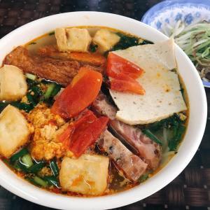 ホーチミンでハノイの味・Bun Rieu 親父のセンスが光る良店! ~ Quan An Ha Noi