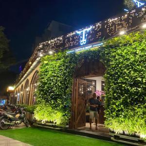 ホーチミンの人気カジュアルステーキの新店はゴージャスだぞ! ~ Topping Beef Nguyen Thi Minh Khai