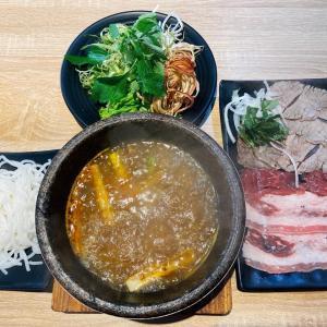 ホーチミンでも人気の料理・ブンボーをグツグツあつあつ石焼鍋で食べれちゃう?! ~ Bun Bo Tho Da Vua Mat Troi