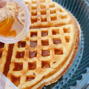 【Grab Food】ホーチミンの朝食バリエーションに加えたいライトなフワシュワ・ワッフルデリバリー! ~ Ry'sWaffle and Specialty Coffee