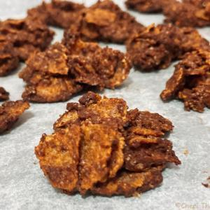 【ちぇり飯】約3分で生地が作れる?!世にも簡単なチョコフレーククッキー