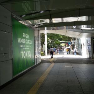 新宿西口の地下道