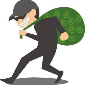 """【注意】連休中のパチンコ屋には""""窃盗の専業""""がいるらしい…お金の入れすぎは注意!?"""