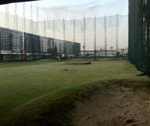 セントラルエアポートプラザの向かいにあるゴルフ練習場