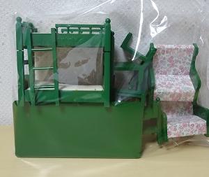 緑の家具と小物たち。
