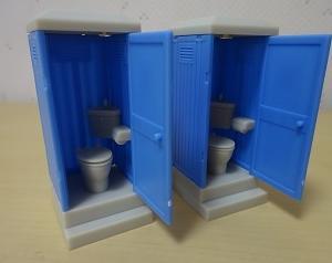ガチャ・仮設トイレ。