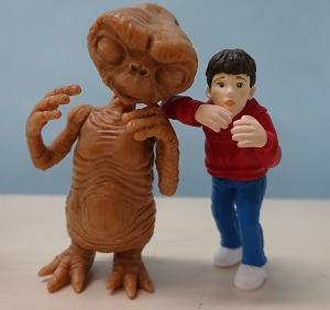 E.T.とエリオット。