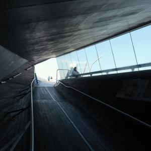 屋上デッキへの通路