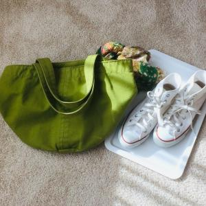 少ない服で暮らすコツ~小物を変えて季節を楽しむ