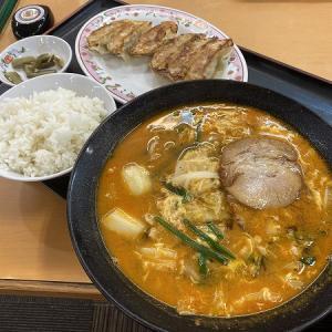 餃子の王将 寝屋川店のスタミナラーメンセット(トッピングに玉子とじと焼豚2枚)