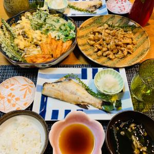 米粉の天ぷらと鶏皮ポン酢