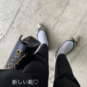 アラフィフ襟コンシャスの、ブラックコーデ