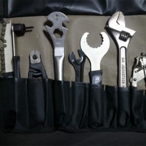 工具の整理はツールロールケースに巻いて収納