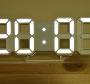 時間が分かるだけでいい!LEDデジタル時計