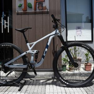 山で遊べる自転車、在庫してますよ!!