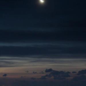 伊古部海岸の月景色と朝陽