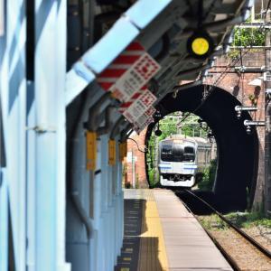 さあ、帰りの列車がやってきた(横須賀線)