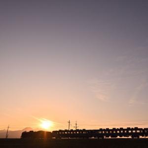榛名山に沈む夕日(上越線C61)