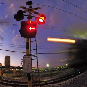 汽車が通過しま~す(上越線C61)