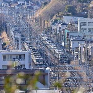 もうすぐ見納めとなる特急がやって来た(東海道本線)