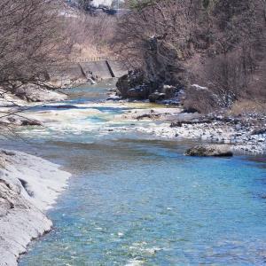 透き通る利根川(上越線D51)