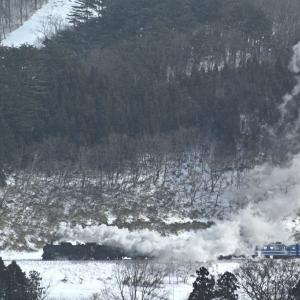 煙を舞い上げて中山峠を目指す(磐越西線D51)