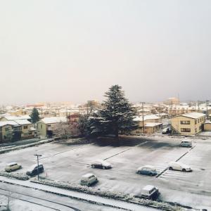 【初雪】初雪は病室の窓から