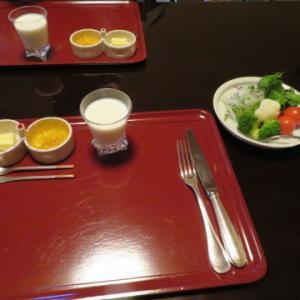 洋朝食。暁翠庵、俵屋旅館にお邪魔。