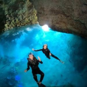 8月24日人気のジンベエ&青の洞窟コース