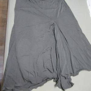 スカート 食べこぼし・全体輪じみ 水洗い・しみ抜き レーヨン素材
