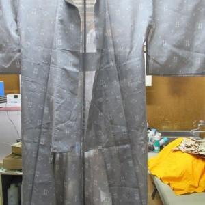 琉球絣単衣 他店にてしみ抜きによる輪じみ 水洗い・しみ抜き 正絹素材