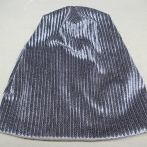 コーデュロイ・ニット帽子 汗によるヤケ 色掛け 素材不明