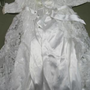 新生児セレモニー用レースドレス よだれによる黄変しみ 全体漂白 綿素材