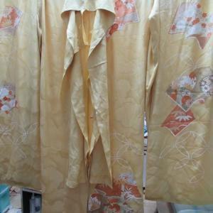 振袖仮縫い新反 長期間保管によりカビ 新反洗い・湯のし 正絹素材