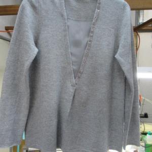 セーター(TONET製)食べこぼし しみ抜き 毛・絹・カシミア素材