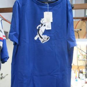 百貨店商品Tシャツ(ファイブフックス製)ミシン油 しみ抜き 綿素材