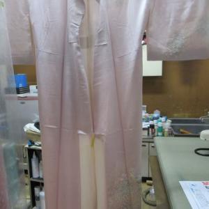 附下袷 しみ抜きによる経時変化による黄変しみ 丸洗い・しみ抜き 正絹素材