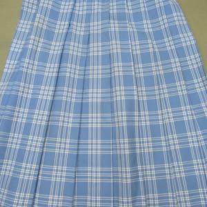 スカート(学生服)汗による黄変しみ 全体漂白 ウール・ポリエステル素材