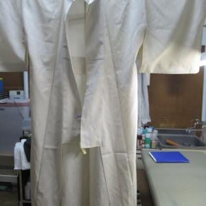塩沢単衣 他店でしみ抜きによる輪じみ・黄変しみ 丸洗い・しみ抜き 正絹素材