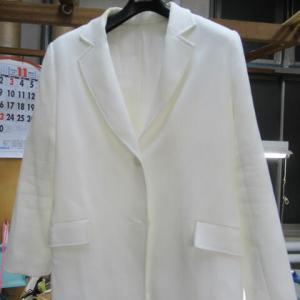 オーダースーツ 衿ヤケ 水洗い・全体漂白・しみ抜き 素材不明