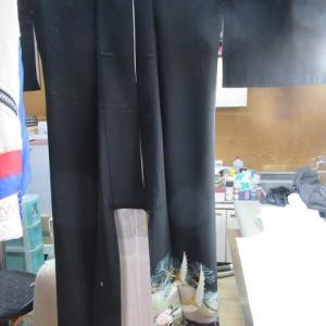 留袖比翼付き(撥水加工済み)保管によるカビ 丸洗い・しみ抜き 正絹素材