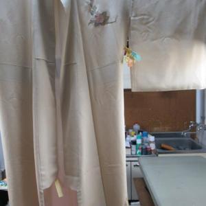 附下袷 クリーニング店のしみ抜きによる脱色 しみ抜き・色掛け 正絹素材