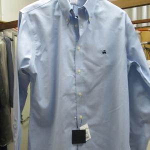 百貨店商品ドレスシャツ(ブルックブラザーズ製)血液しみ しみ抜き 綿・ポリウレタン素材