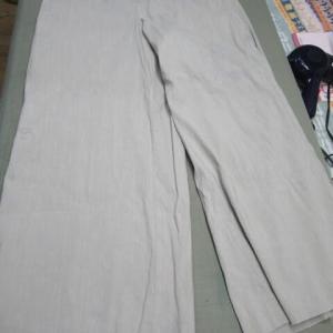 ワイドパンツ(マンテコ製)家庭洗濯による移染 移染取り 麻・リヨセル・ポリウレタン素材