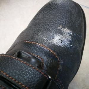 穴あきブーツはもう嫌だ!、今度はブーツを買い替え