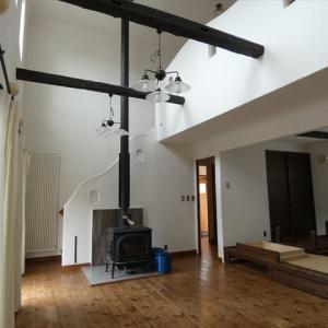 十勝 帯広 中古住宅+リノベーション リノベ不動産 いかすハウス 30帖以上のリビングのお家