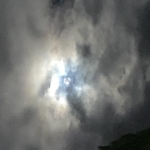 雲の中の月 と キルティング終了
