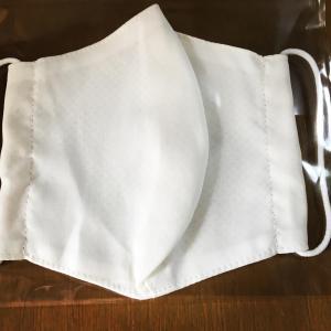 冷感素材のマスク
